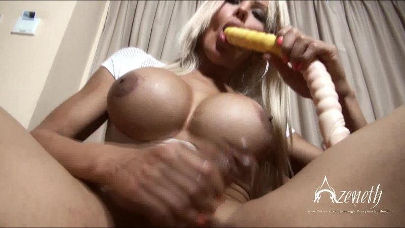 Chubby blonde anal tubes