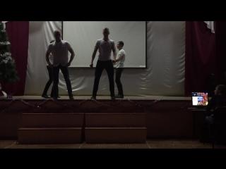 11 Б класс Танцы 28.12.15