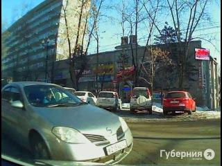 Спор между водителями в Хабаровске не смог решить даже регистратор.MestoproTV