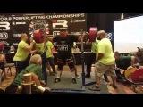Джейк Джонс  (США),  присед в наколенниках - 372. 5 кг, ЧМ - IPL .