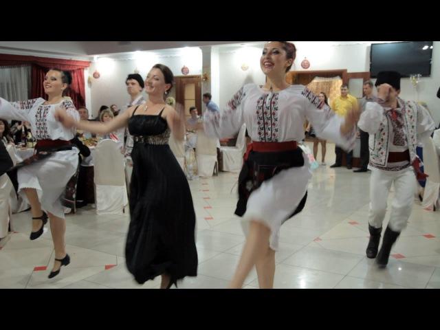 Энергичный молдавский народный танец