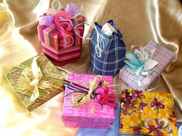 Какие подарки можно подарить на день рождения девочками