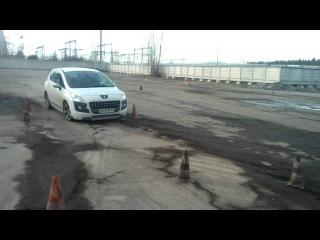 Боримся с ESP на Peugeot 3008 (переставка) курсы контраварийного вождения Карбон в Киеве.