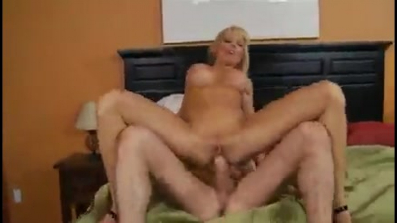 holly sampson cumshot