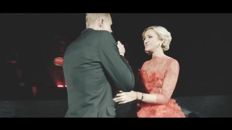 Классно поздравил свою жену с днём рождения Дмитрий Тарасов поёт для Ольги Буз