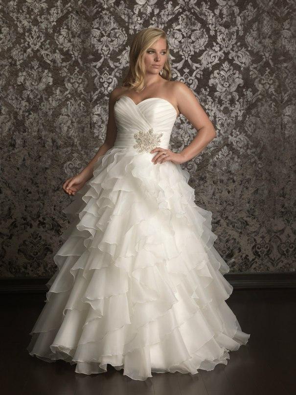 OQzOOHocLgE - Свадебные платья Allure Bridals коллекции 2016
