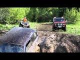 Улетные внедорожник Нива VS Toyota Land Cruiser битва в грязи по бездорожью