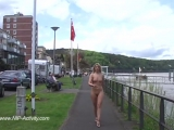 Janka Nude in Public 1