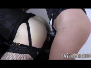 Госпожа трахает своего раба видео 7 фотография