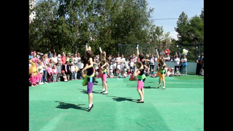 Южное Бутово Концерт на день защиты детей 1 06 2015 ШАРМЭЛЬ Мы маленькие дети