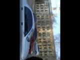 Полиция пытается оштрафовать девушку. Харьков