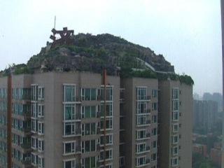 Китаец построил себе виллу на крыше высотки (новости)