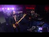 Arctic Monkeys - Do I Wanna Know (Live on Letterman)
