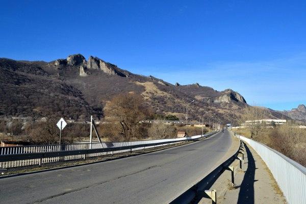 Скоростная автомобильная дорога свяжет Карачаево-Черкесию с черноморским побережьем Абхазии