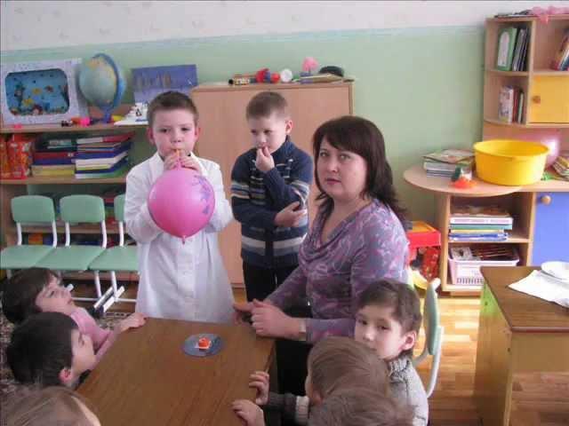 я - исследователь Реактивный воздушный шарик 2012.wmv