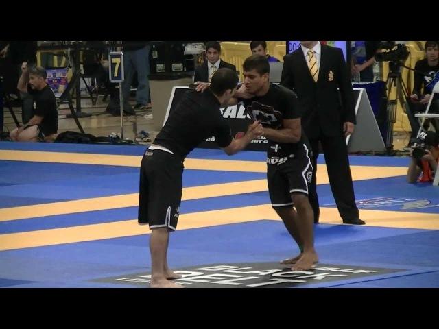 JT Spiderman Torres (Lloyd Irvin) vs. Augusto Tanquinho Mendes (Soul Fighters)