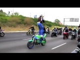 Extreme Facebook Update.Like a boss - 300 violin orchestra jorge quintero.flv
