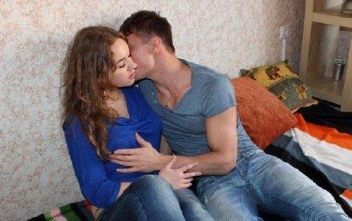 Девушка на спор проиграла секс с другом
