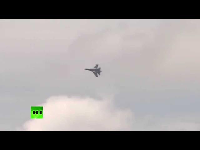 Су-35 потряс Ле Бурже это не самолет, это просто НЛО! (видео полёта)