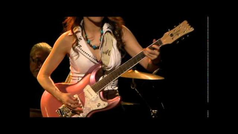 TOMOKO with Sapporo Chuck Berry Rock n Roll Band.