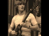 Kevin Ayers - whatevershebringswesing (Mike Oldfield on Bass and Guitar)