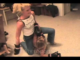 Hot Blonde Girls Catfight
