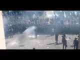 Беспорядки в Киеве около Рады. В толпу с мусарами кинули гранату  есть жертвы 31 08 ...