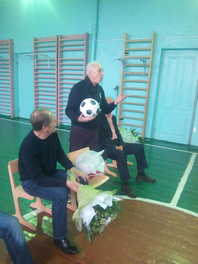 В Таганроге ветераны спорта встретились со школьниками