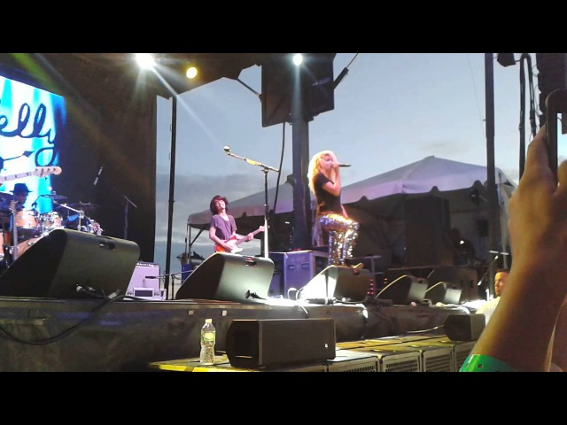Tori Kelly Billboard Hot100 Fest - Anyway