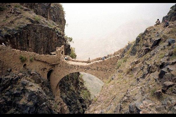 Мост Шахара «Мост вздохов»  в Йемене