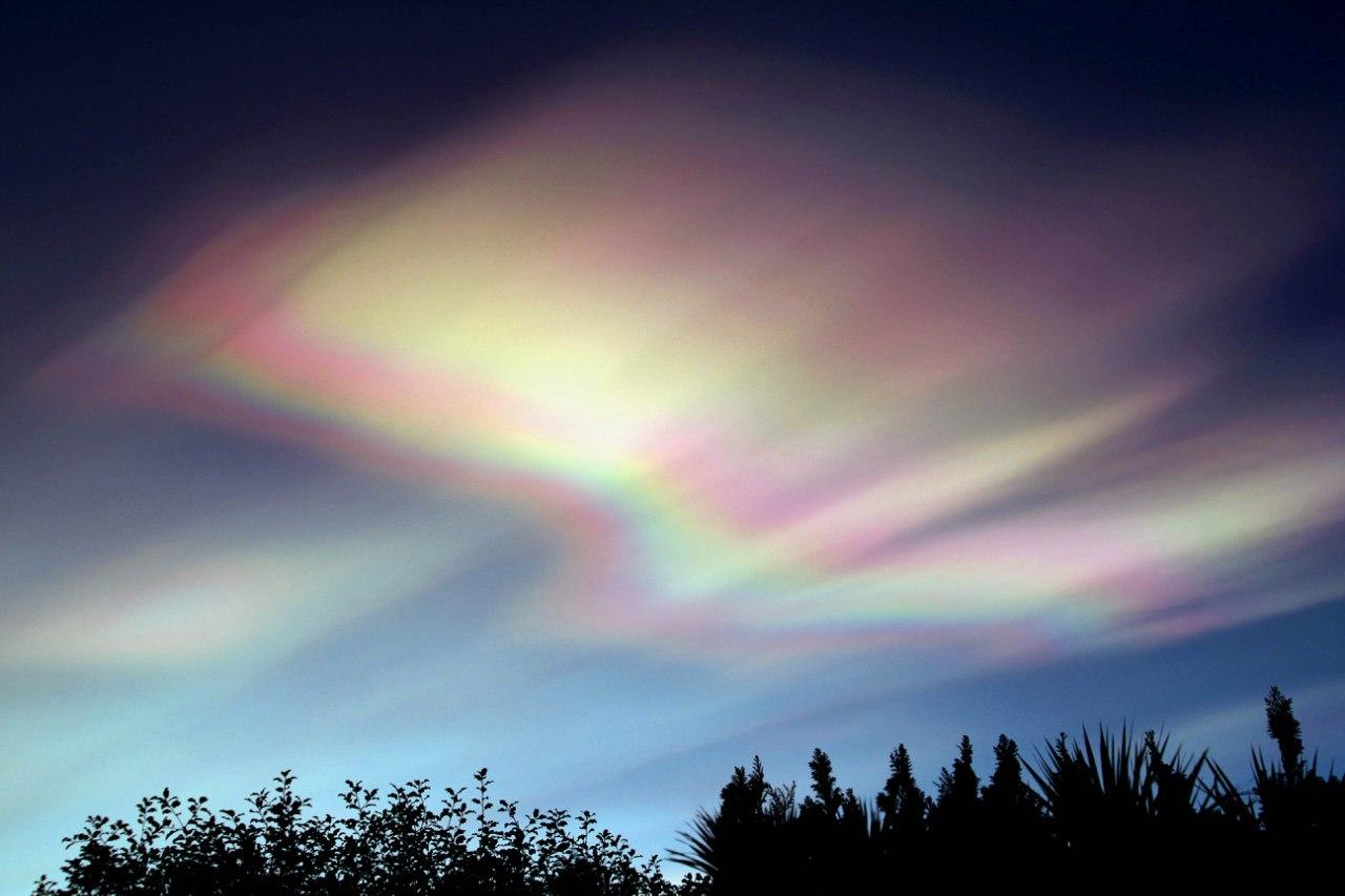 Облака цвета перламутр Killaire Avenue, Северная Ирландия