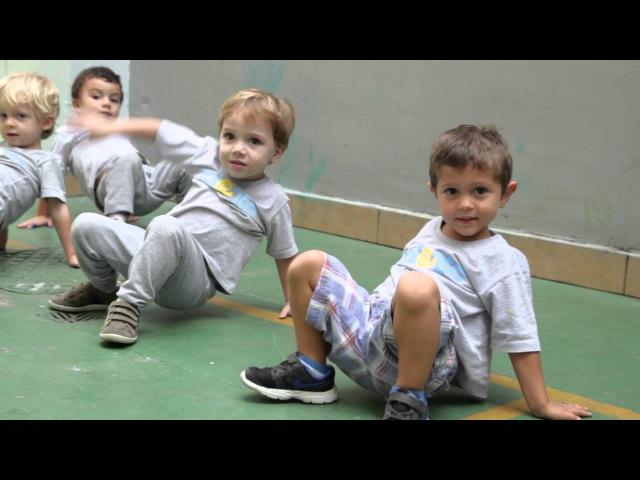 Brincadeira de Angola Diferença de abordagem na aula infantil