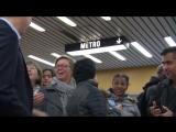 Канада, премьер-министр, без какой-либо охраны в метро