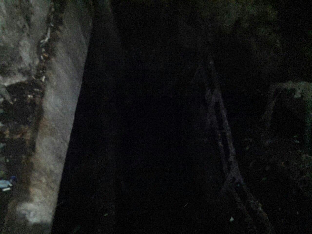 Шахта канализации в центре питера