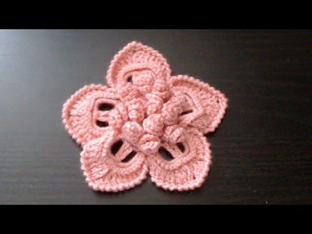 Как связать крючком цветок с объёмной серединкой из спиралек