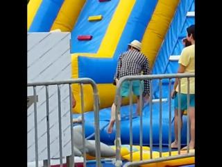 150617 baekhyun filming for baskin robins cf and he fell while climbing up the slide
