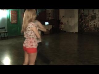 Мой первый танец - на моей первой вечеринке по Зуку)) топ-топ) Учусь) 27.11.2015