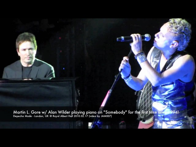 Depeche Mode - Alan Wilder playing piano on Somebody London @ Royal Albert Hall 2010.02.17 in HD