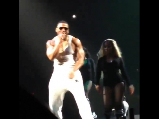 Nelly supports (2)