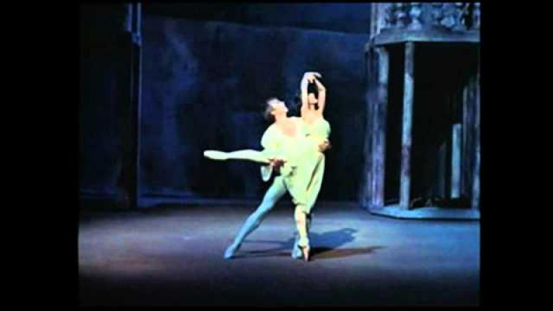 Balcony Scene from Act II of Prokofievs Romeo and Juliet (Rudolf Nureyev and Margot Fonteyn)