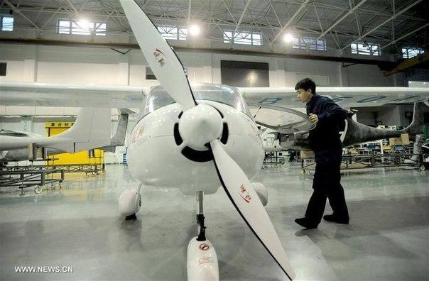 cyul9YRcAQw Первый в Китае электросамолет получил лицензию на производство