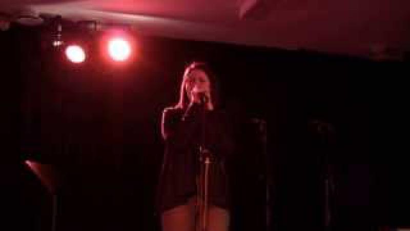 I'm in here - Anna Hansen ( Sia cover )