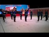 Показательные выступления роты специального караула Президентского полка с демонстрацией различных перестроений и приёмов с оруж