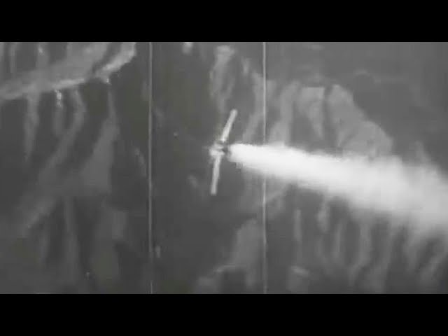 1953 Korean War Dogfight - Mig 15 VS F86F2 Saber