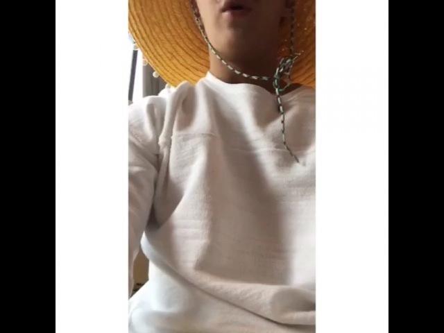 """Henry Lau on Instagram: """"¿Alguien va a estar en México esta semana? voy a estar allí la próxima semana. que puedo quedar? sin un lugar donde dormir!"""""""