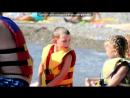 «Отдых Сочи п. Вардане 2015г. катание на банане!!» под музыку Ёлка - Если мы летим-летим на банане...].