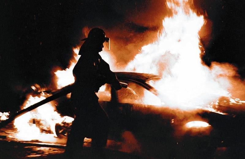 В Таганроге на Простоквашино сгорели «ВАЗ-2112» и Kia Spectra