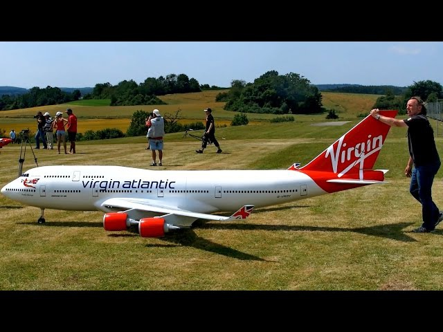 BOEING 747-400 VIRGIN ATLANTIC GIGANTIC RC AIRLINER MODEL JET FLIGHT Airliner Meeting Airshow 2015