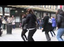 Flashmob marry you bruno mars proposal Tony Sara piazza Cordusio Milano