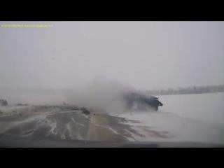 Смертельное лобовое ДТП в Ростовской области попало на видео  (05.01.2016)